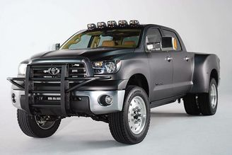 Picture of Toyota Tundra dually Diesel in concept