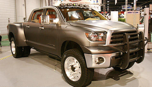 Picture of the Tundra dually diesel concept at SEMA2007